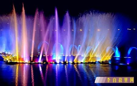 江油明月岛喷泉.jpg